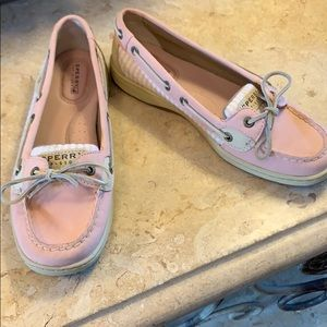 SPERRY TOP-SIDER shoe in pink, white, tan.